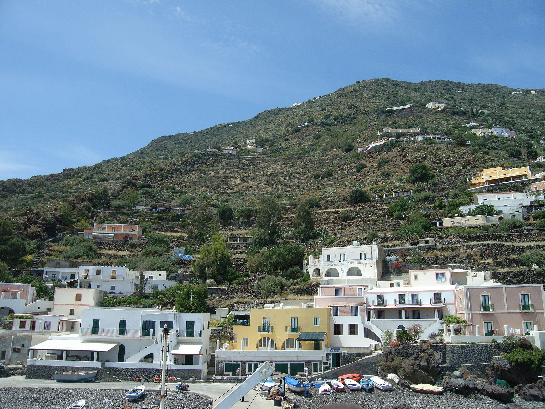 Alicudi-Insel- Hafen